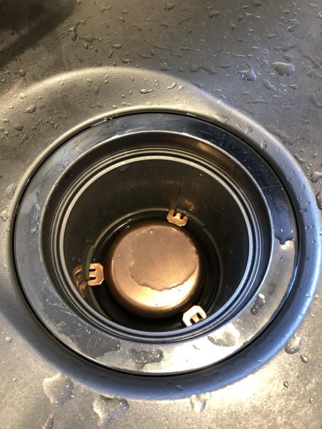 銅製の防臭キャップ